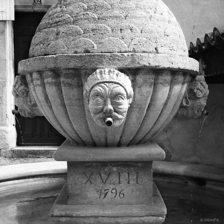 fontaine de Sablet